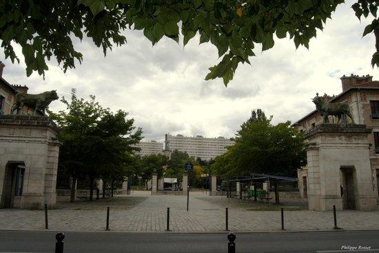 Cafe Arthur et Juliette: square GEORGES BRASSENS
