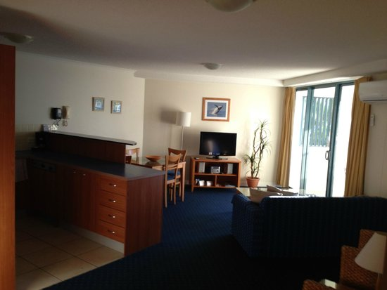 Mantra Hervey Bay: 1 bedroom apartment with full kitchen