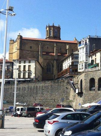 Iglesia de San Salvador: Iglesia desde puerto