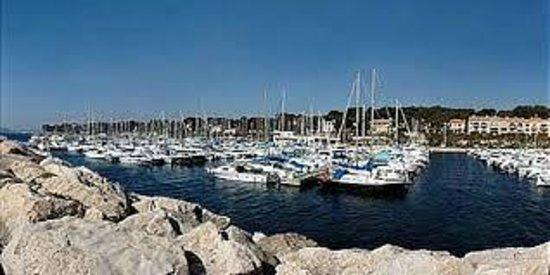 Calanque port d alon photo de saint cyr sur mer var tripadvisor - Camping port d alon saint cyr sur mer ...