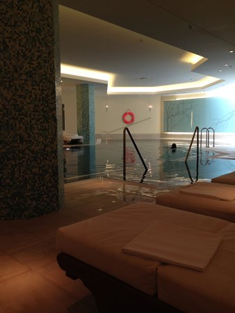 Hilton Berlin: swimming pool