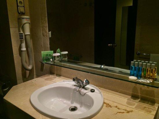 """Expo Hotel Barcelona: Salle de bain """"vintage"""""""