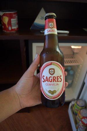 Hotel A. S. Lisboa: Cerveza del Minibar