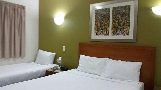 Mercure Darwin Airport Resort : bedroom