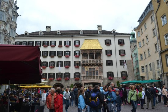 The Golden Roof (Goldenes Dachl) : t1