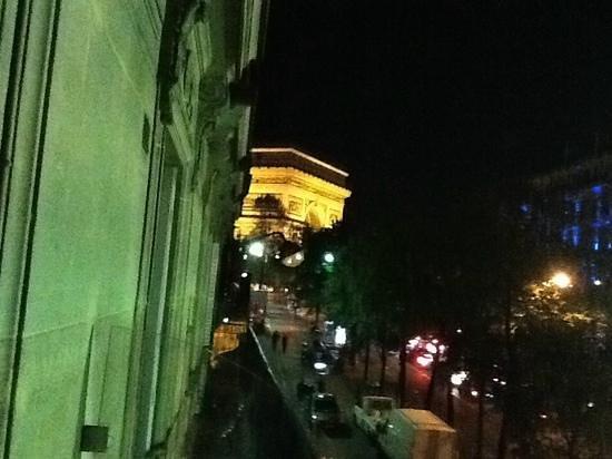 Etoile Park Hotel : ustikt fra balkongen på hotel park etoile.