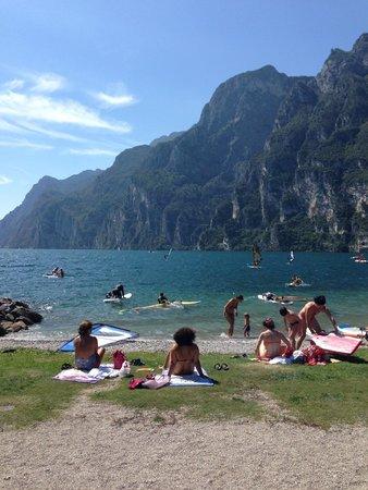 Du Lac et Du Parc Grand Resort: Lake Garda beach