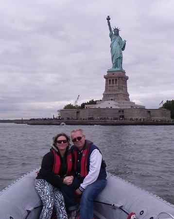 New York Media Boat / Adventure Sightseeing Tours: Lady Liberty and us