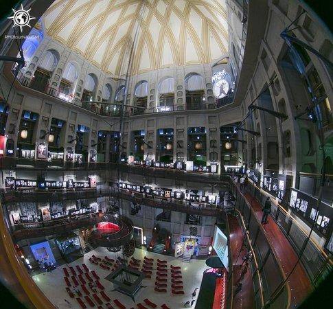 Musée national du cinéma (Turin) : Vista de la rampa interior de la Mole