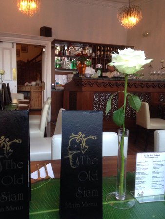 The Old Siam: Lovely interior and decor on arrival, very clean and inviting.