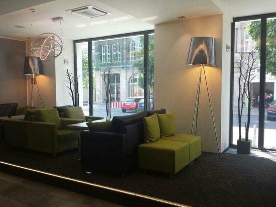 Novum Select Hotel Berlin Checkpoint Charlie: Eingangsbereich