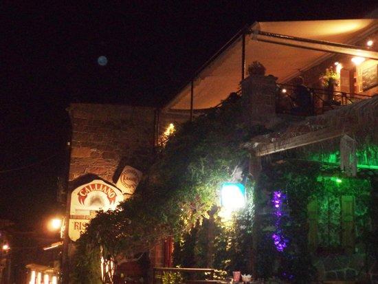 Galliano: εξωτερική όψη - outside view