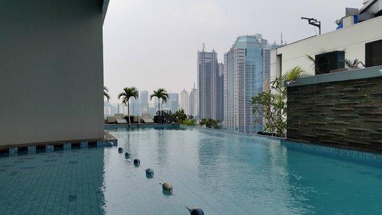 Kolam Renang Picture Of Harris Suites Fx Sudirman Jakarta Tripadvisor