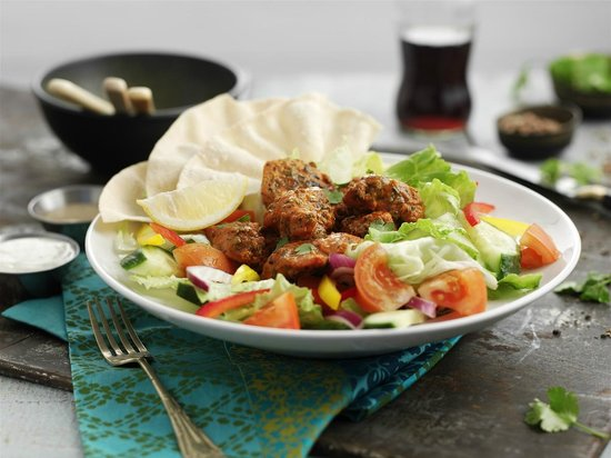 The Super Mare Hungry Horse: Chicken Tikka Salad