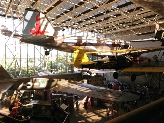 Smithsonian National Air and Space Museum: Some of the displays