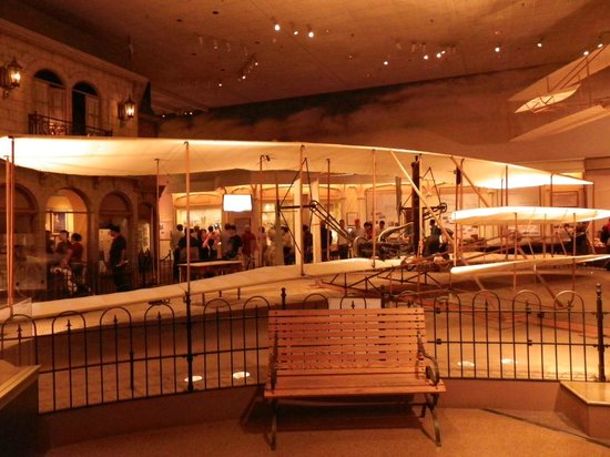 Smithsonian National Air and Space Museum: Wright Brothers plane