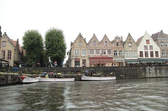 France Tourisme - Daily tour : Brugges in a rainy day