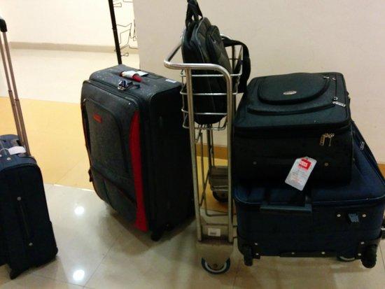 Ginger Mumbai Mahakali: Luggage wet