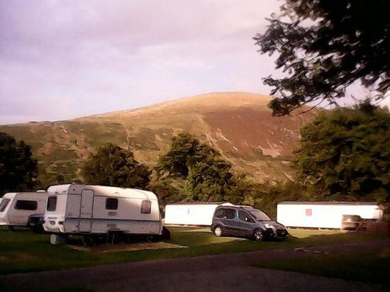 Bryn Gloch Caravan & Campsite: beautiful setting