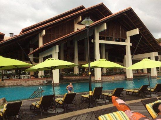 Sutera Harbour Resort (The Pacific Sutera & The Magellan Sutera): Pool shot