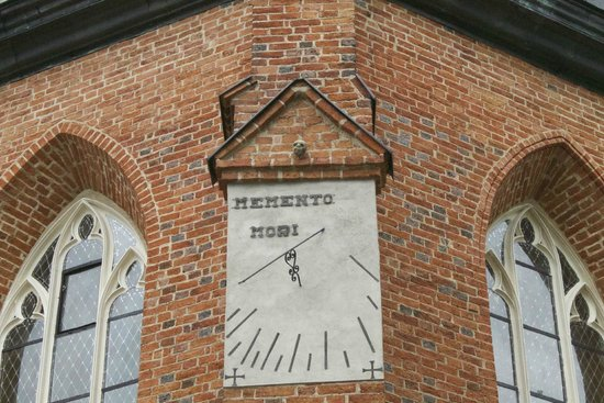 Kartuzy, Polandia: The sun dial outside the entrance.