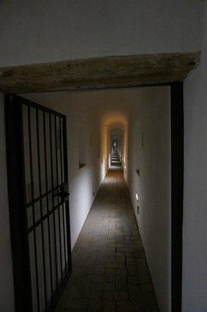 Castillo de Sant'Angelo: Passetto di Borgo - The secret escape way of the pope