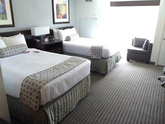 Crowne Plaza Tampa Westshore: Standard Room