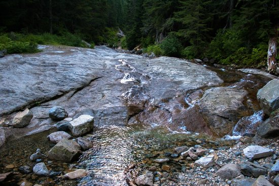 Denny Creek Trail: Granite slides