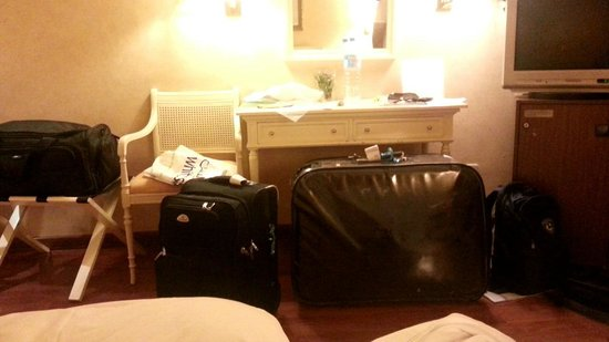 Hotel Arosa : packing our luggage > room #607