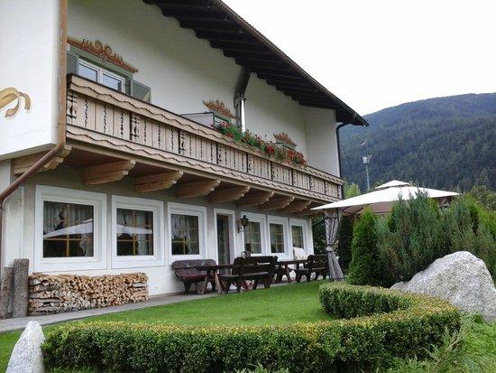 Hotel Christof: vista laterale dell'albergo