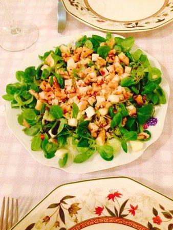 Chiara: Ensalada de canónigos con manzana