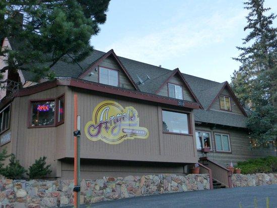 Travelodge Mammoth Lakes : Restaurant vorm Motel