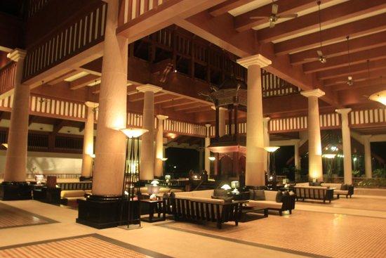 The Andaman, A Luxury Collection Resort: Hall d'entrée de l'hôtel