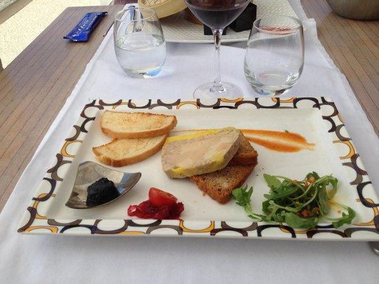 L'ALBATROS : Fois gras aromatisé au pineau des Charentes.
