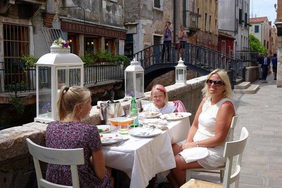 Osteria del Cason: Great outdoor setting