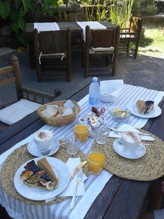 Residence Villa Ravino: colazione
