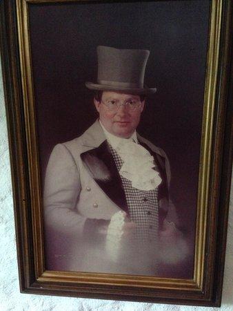 Swiss-Chalet Lodge: Pseudo portrait...