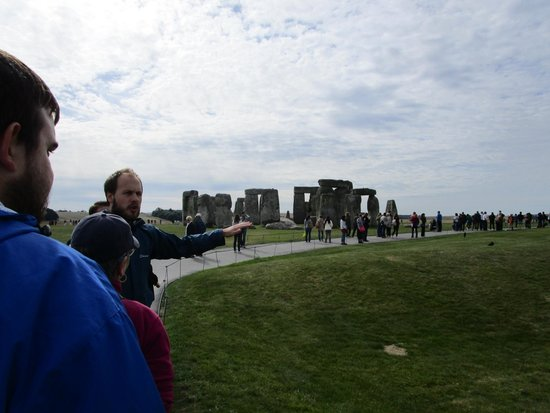 Archaeologist Guided Tours: Approaching Stonehenge