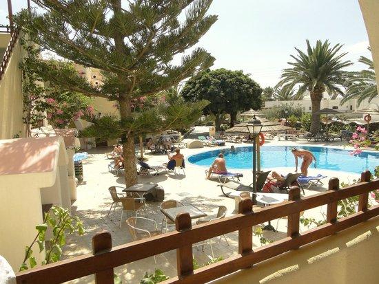 Smaragdi Hotel : Piscina