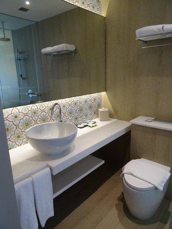 Village Hotel Katong by Far East Hospitality: Bathroom
