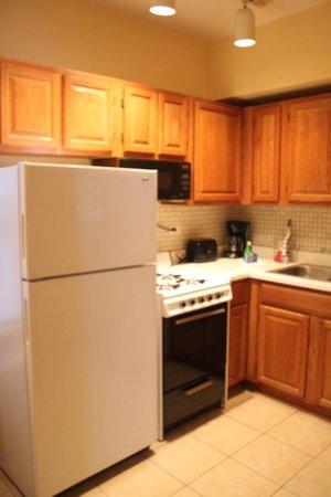 Dewitt Hotel & Suites: Cucina