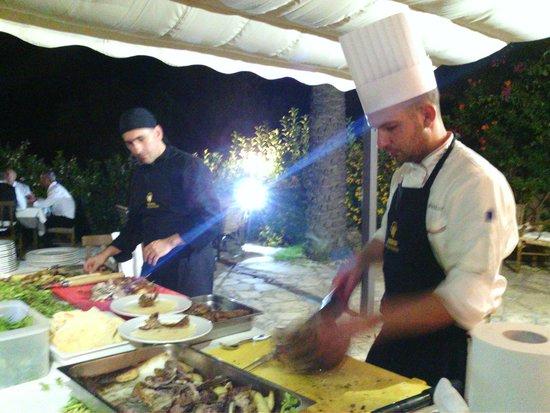 Galanias Hotel & Retreat Domos Galanas: maialetto allo spiedo