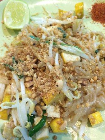 Smart Cook Thai Cookery School: vegan pad thai