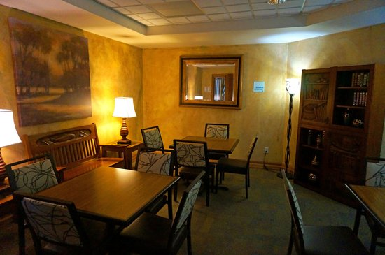 Holiday Inn Express Hotel & Suites Bozeman West: Study Den