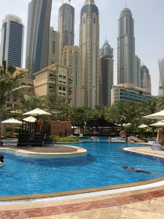 Le Meridien Mina Seyahi Beach Resort and Marina: View from one of the Westin pools
