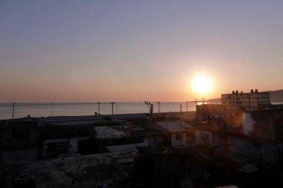 casa terraza Brisa  Del Mar: Le lever du soleil vu de la terrasse