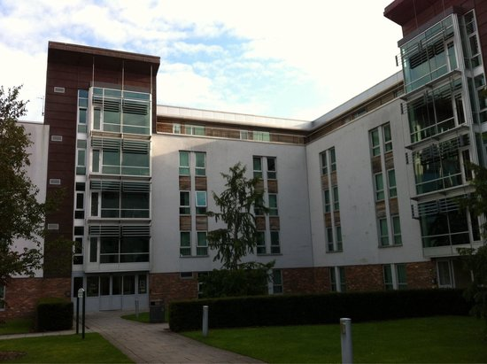 Pollock Halls - Edinburgh First: Esterno di uno degli edifici in cui si trovano le camere