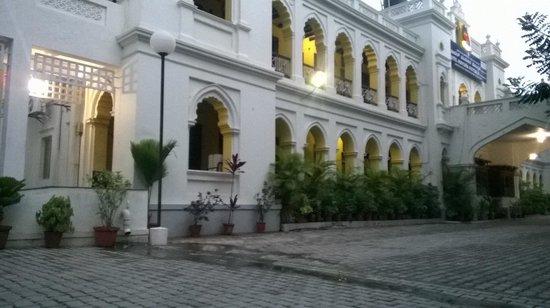 Hotel Mayura Hoysala Mysore: Hotel Grounds