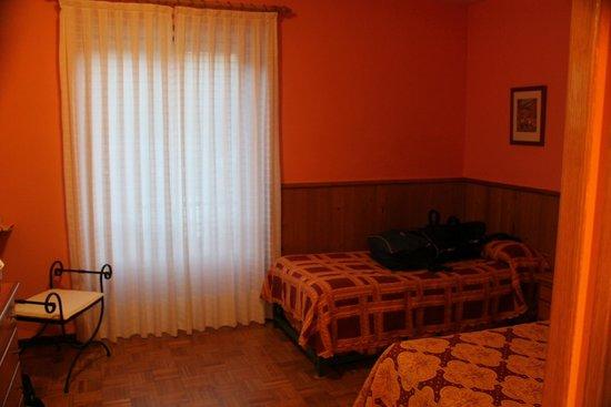 Hotel Escalar : cama pequeña de 90