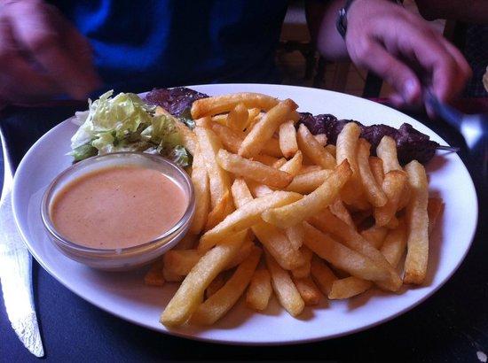 L'Ardoise : Beef Skewer.